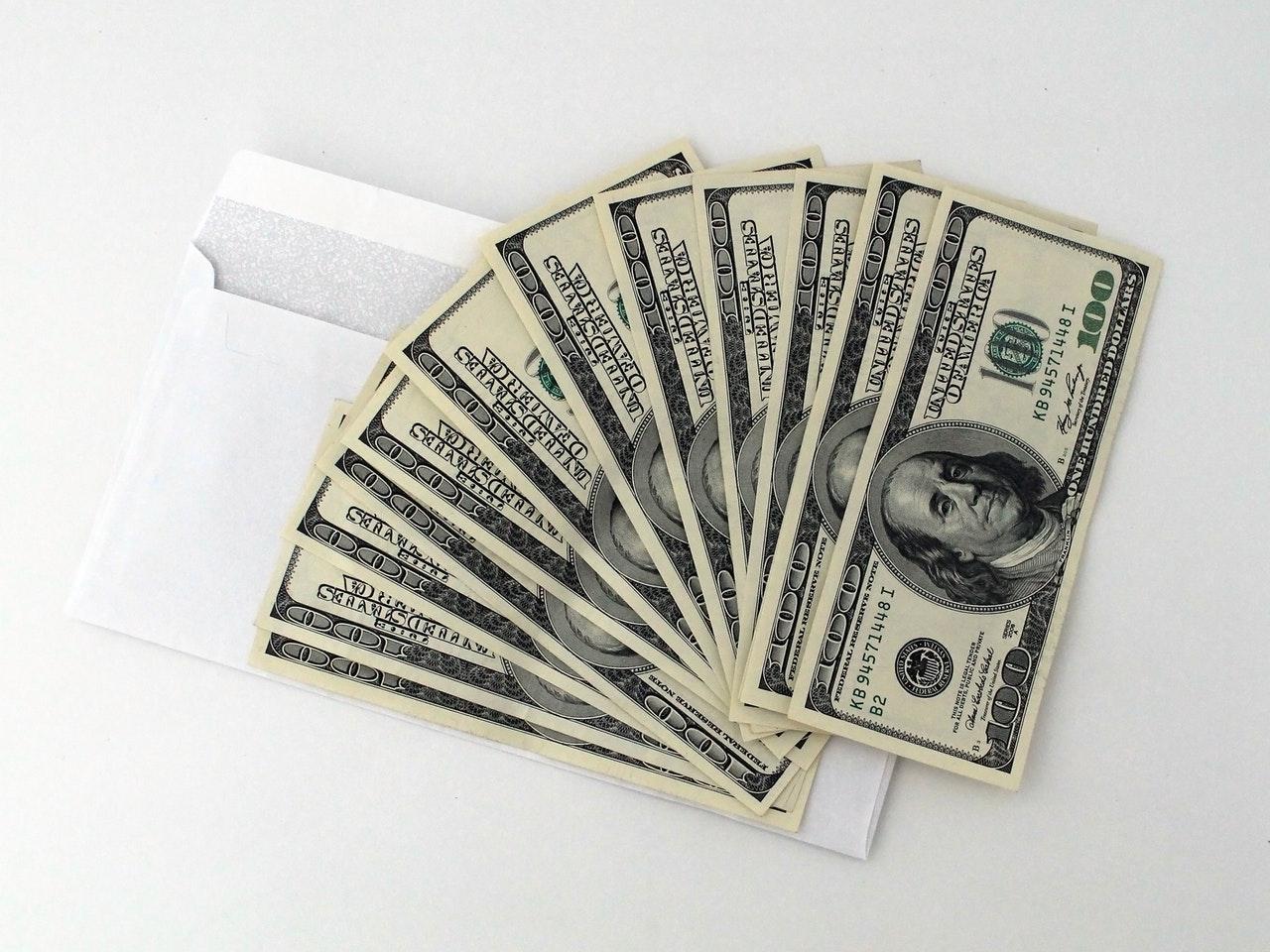 bookies make money